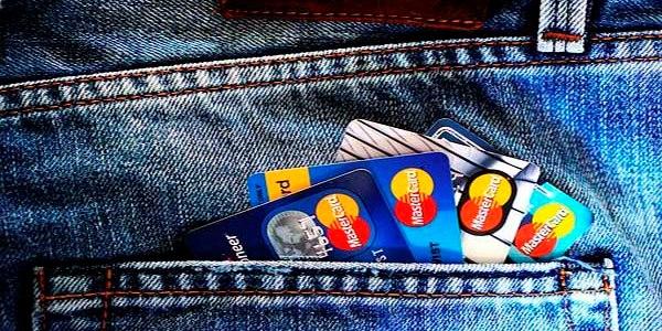 Переказ з платіжної картки на банківський рахунок визнають безготівковим розрахунком